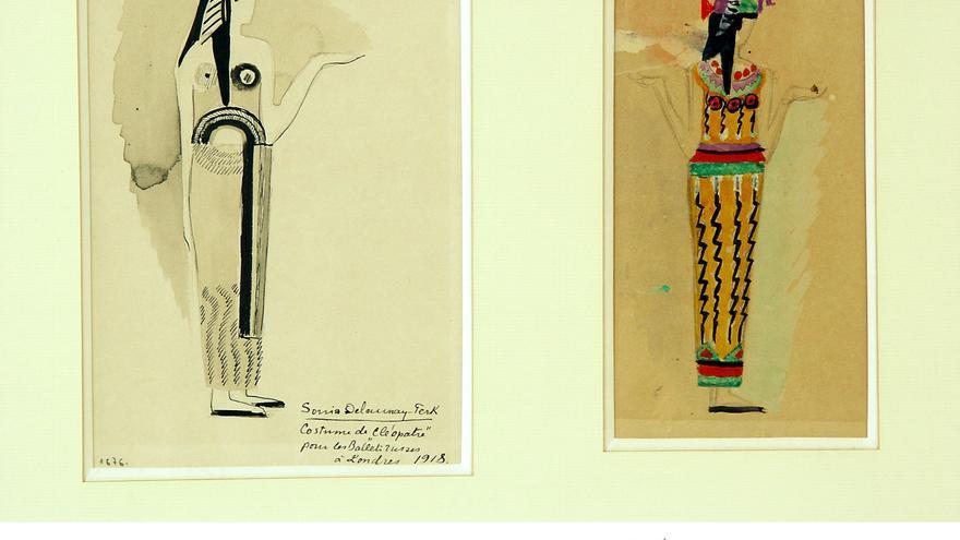 Dos vestidos basados en Cleopatra diseñados por Sonia Delaunay