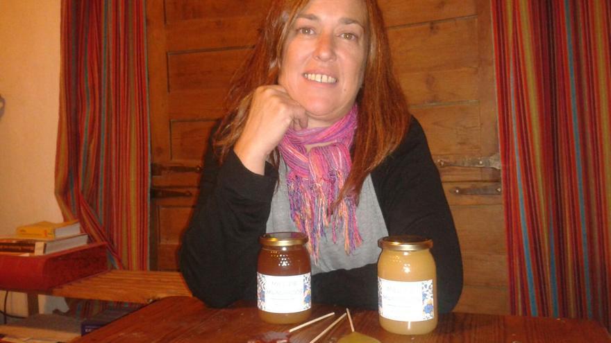 Judith Iturbe es una de las emprendedoras molinesas dedicada a la apicultura, que forma parte del programa de La Artesa