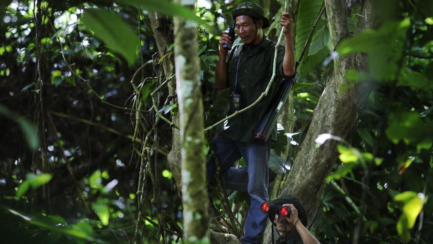 Maktur patrulla el bosque Ulu Masen Indonesia. Antes era maderero ilegal / Centro de Investigación Forestal Internacional