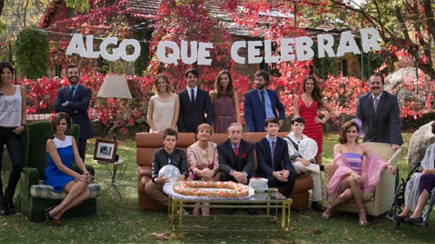 """""""'Algo que celebrar' recuerda a 'Modern Family' y 'La gran familia española', con varias películas en una serie"""""""