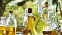 El Ministerio propone al sector del aceite de oliva medidas de autorregulación para frenar la caída de precios