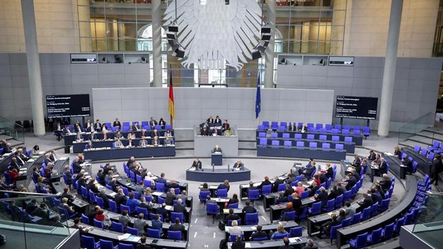 El Bundestag exculpa al Gobierno alemán de toda responsabilidad en el escándalo de Volkswagen