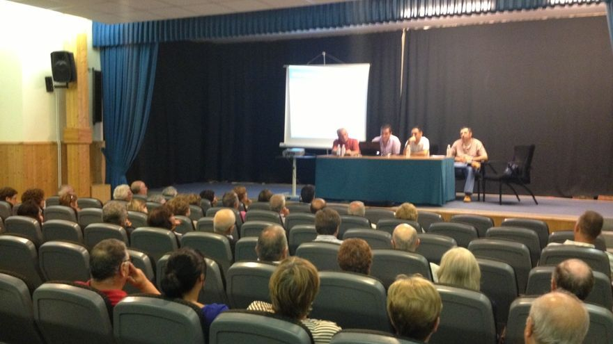 Asamblea de emigrantes retornados celebrada en Foz (Lugo)