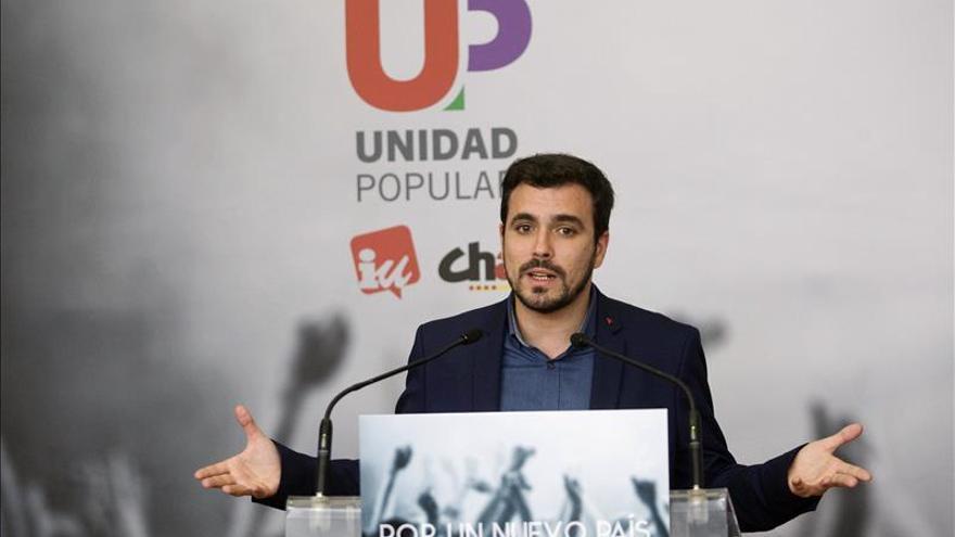 "Garzón ve peligroso que Iglesias y Sánchez quieran ""imitar"" a Rivera"