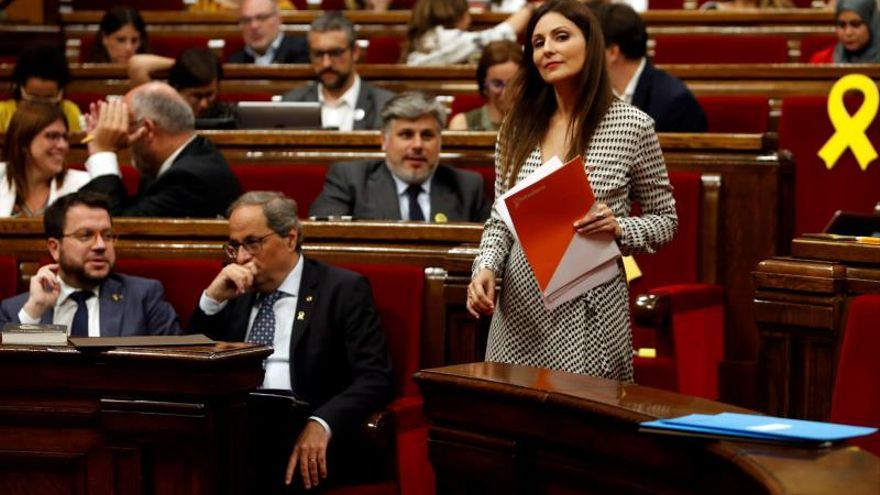 """El debate sobre """"violencia"""" o """"pacifismo"""" independentista tensa el Parlament"""