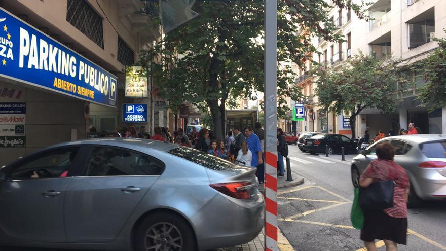 Entrada al colegio San Juan de Ribera, en la calle de Ciril Amorós