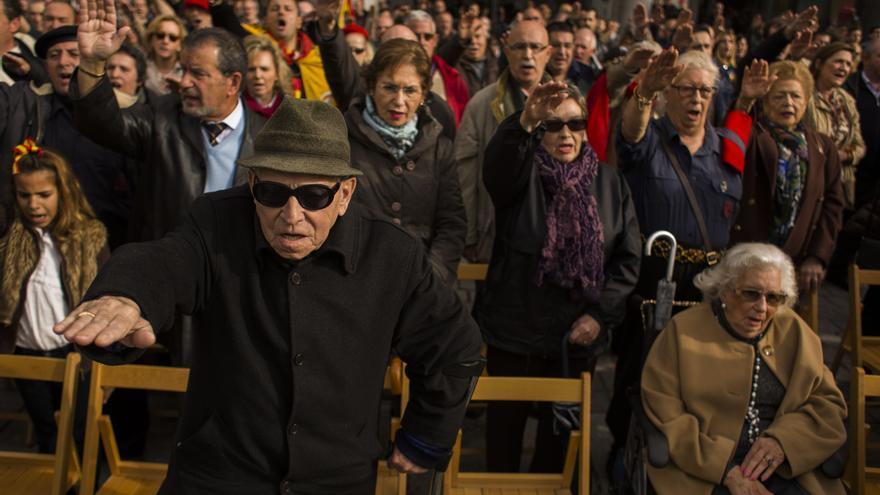 Homenaje a Franco en la plaza de Oriente de Madrid en 2014