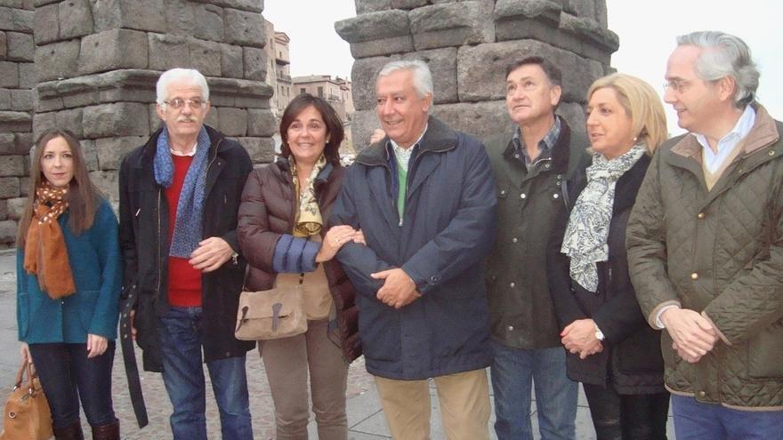 """Javier Arenas (PP) advierte de que la campaña """"a pie de tierra"""" será decisiva en los próximos días"""