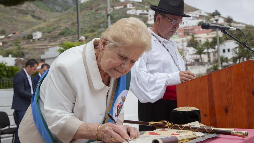 Doña Amalia Negrón, alcaldesa honoraria de Taganana