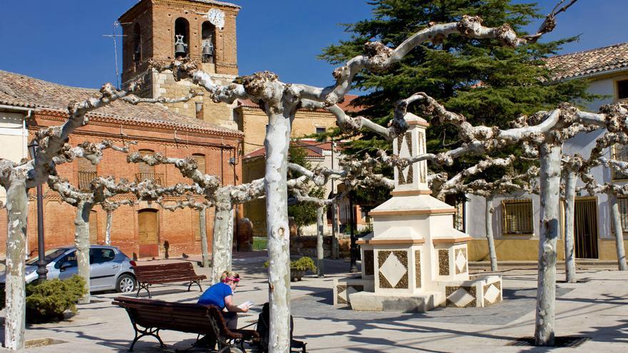 Plaza de Población de Campos, en el Camino de Santiago. VIAJAR AHORA