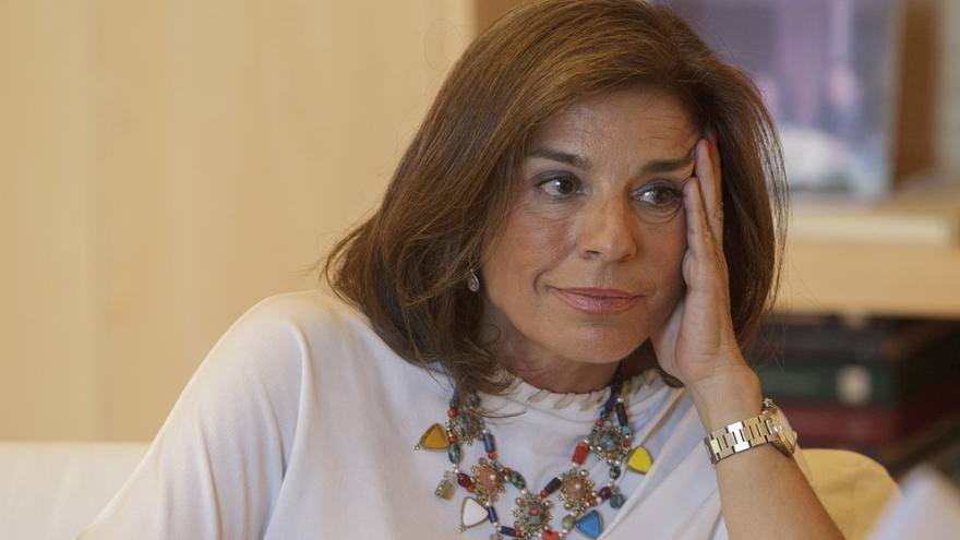"""Botella asegura que Aznar """"está muy contento"""" por estar en la convención de """"su partido"""""""