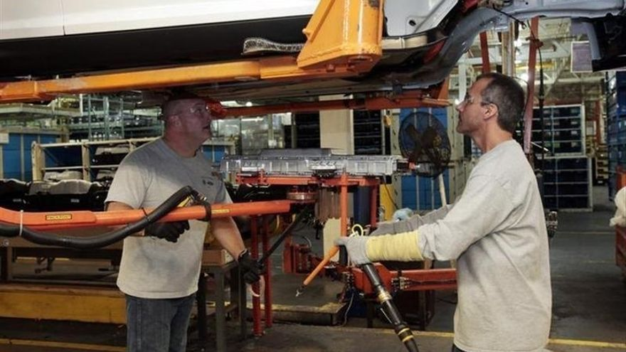 Cantabria encadena un trimestre liderando la producción industrial en España