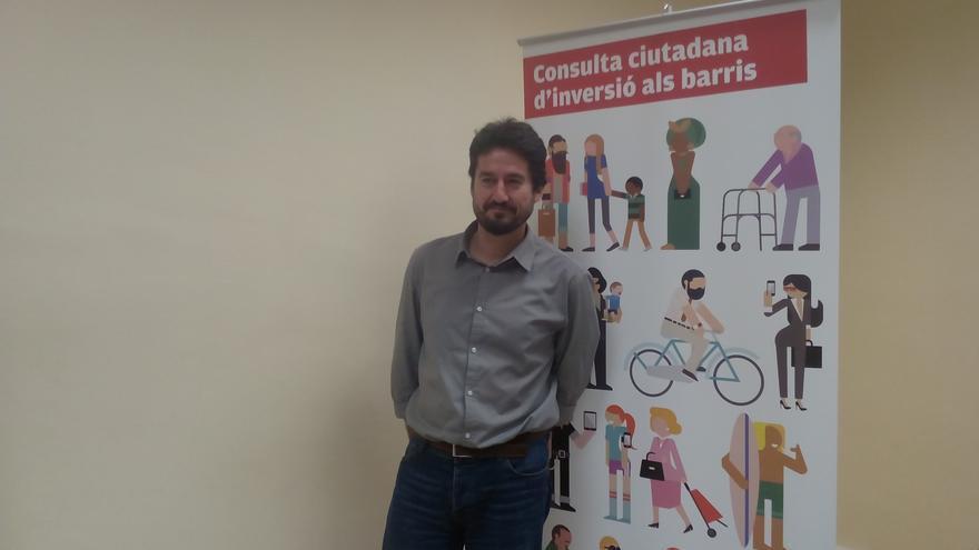 Jordi Peris en la presentación del proceso de consulta a los vecinos sobre las inversiones a desarrollar en los barrios