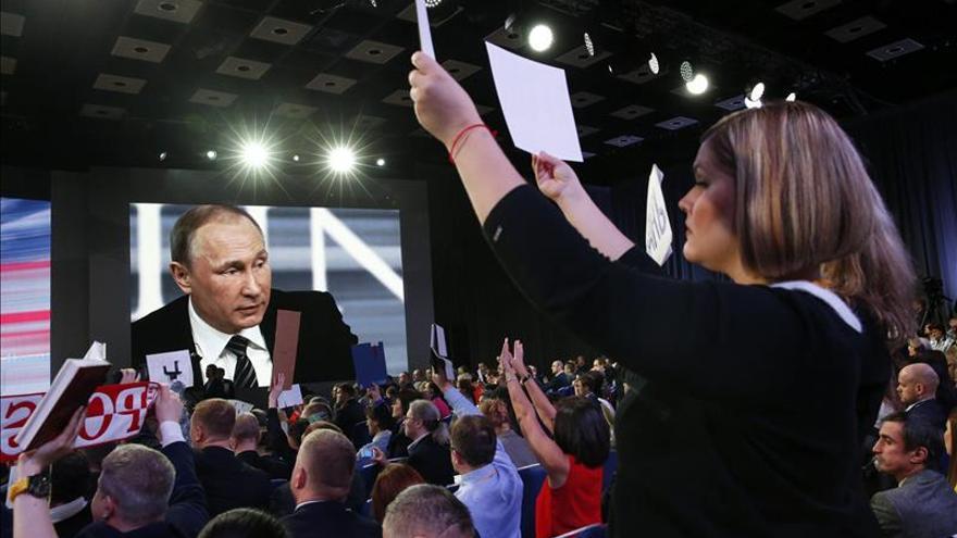 Putin se declara orgulloso de sus hijas, que ni son políticas ni empresarias