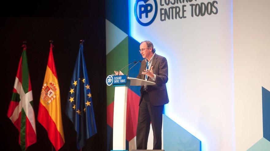Alfonso Alonso interviene en el 15 congreso del PP vasco.
