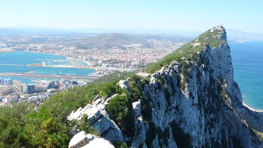 Imagen del Peñón desde la Upper Rock de Gibraltar.