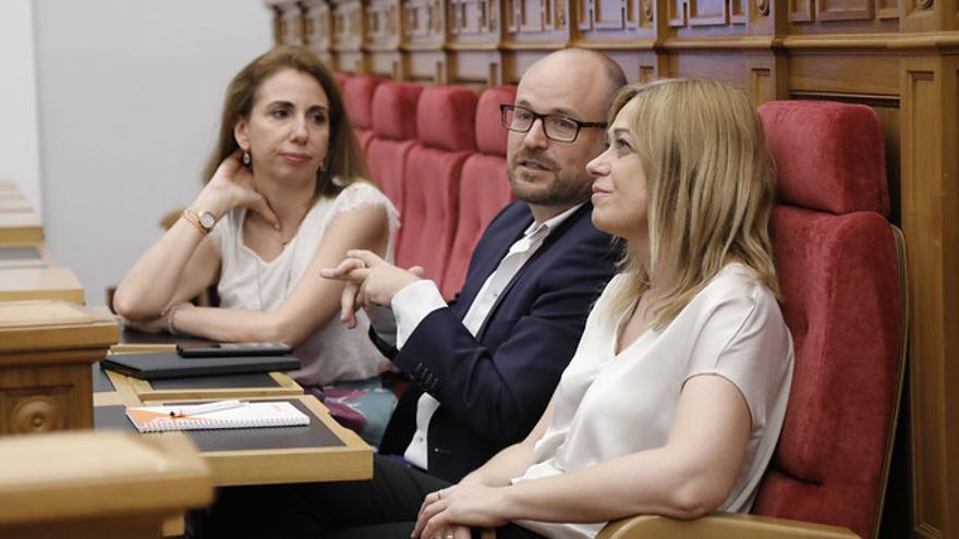 Tres de los cuatro diputados de Ciudadanos en el salón de plenos