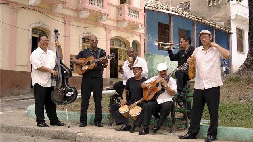"""El cubano """"Septeto Santiaguero"""" recibe emocionado la nominación a los Grammy"""