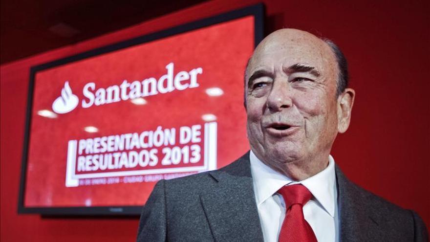 El presidente del Banco Santander, Emilio Botín, durante de la presentación de resultados del ejercicio 2013 de la entidad bancaria. / Efe