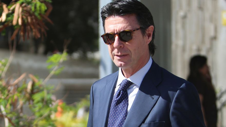 El exministro de Industria, Energía y Turismo, José Manuel Soria, a su salida de los juzgados de Las Palmas