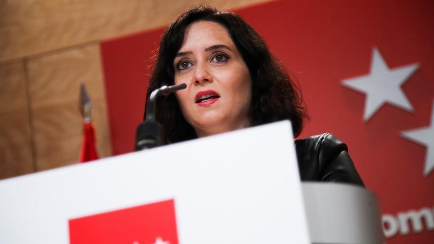 """Ayuso acusa a Sánchez de """"ocultar datos o mentir"""" al prometer las vacunas"""