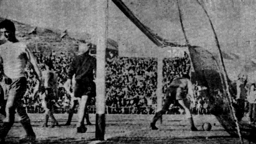 Gol de Santos que dio la victoria al CD Tenerife sobre la UD Las Palmas.