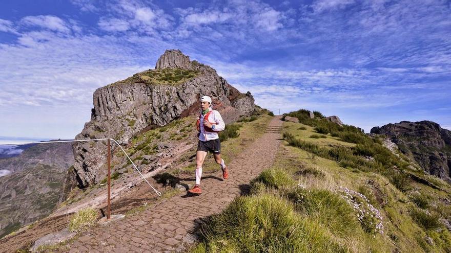 Tòfol Castanyer en carrera durante la Madeira Island Ultra Trail (© Joao M. Faria).