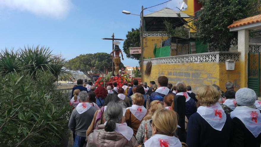 La imagen del Cristo, en su paseo procesional de este domingo