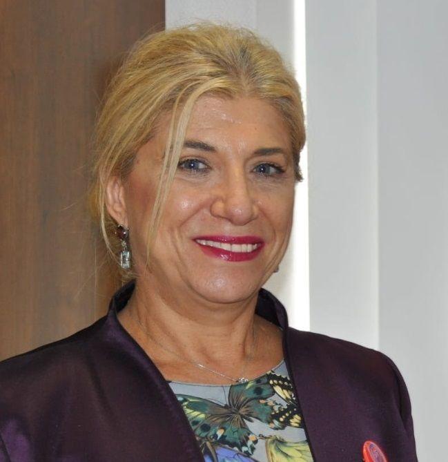 Gloria Alarcón
