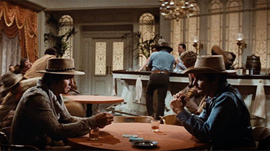 Los robots de Westworld (1973) jugando al póker