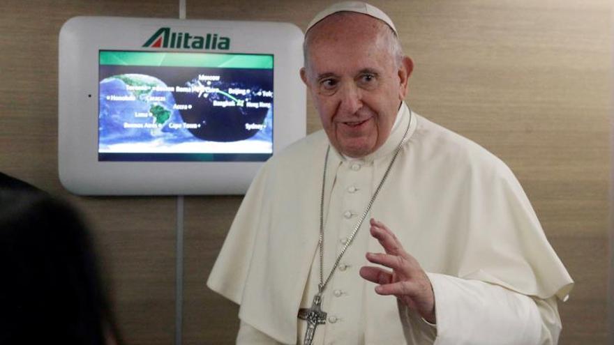 El papa Francisco llega a Tailandia para una visita de tres días