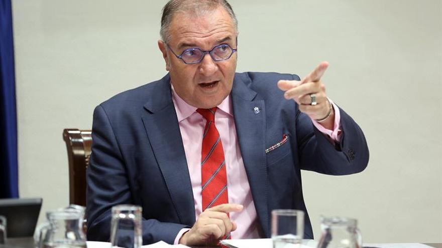 El consejero de Sanidad del Gobierno de Canarias, José Manuel Baltar