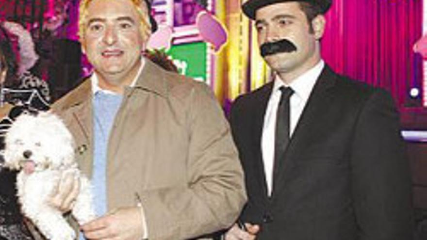 Cardona disfrazado de Tin Tin en los carnavales capitalinos.