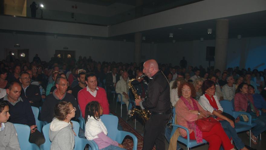 Miguel López, entre el público que acudió al concierto. Foto: Jesús Hernández Bienes.