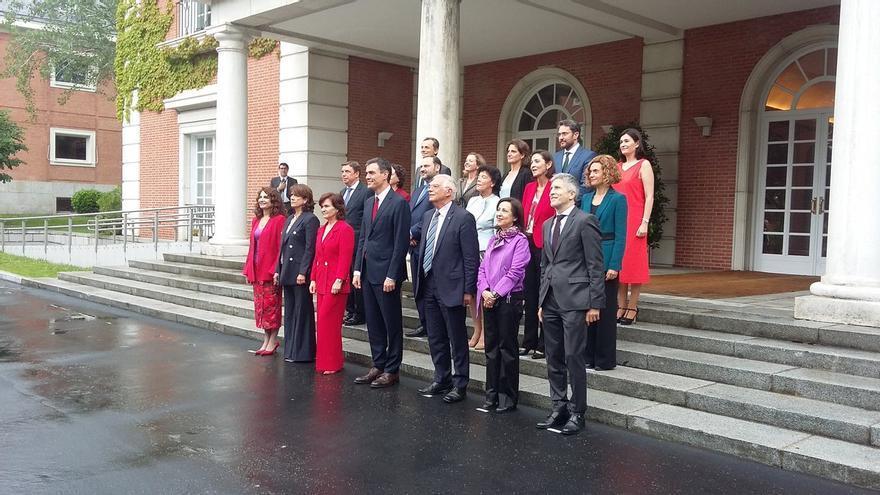 Foto del Consejo de Ministras tras su primera reunión oficial.