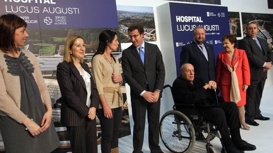 Políticos en la inauguración del hospital, el 26 de febrero de 2011 / Conchi Paz