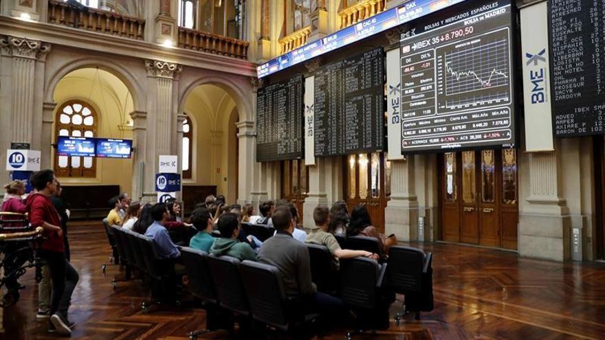 La Bolsa española comienza la semana con una caída del 0,16 % en la apertura