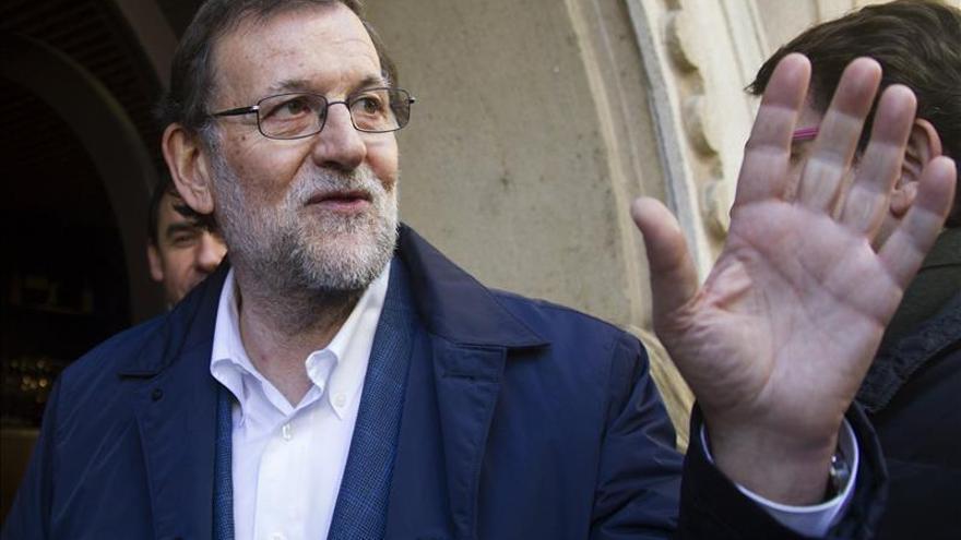 Rajoy, objeto de una broma de un programa de radio, cree hablar con Puigdemont