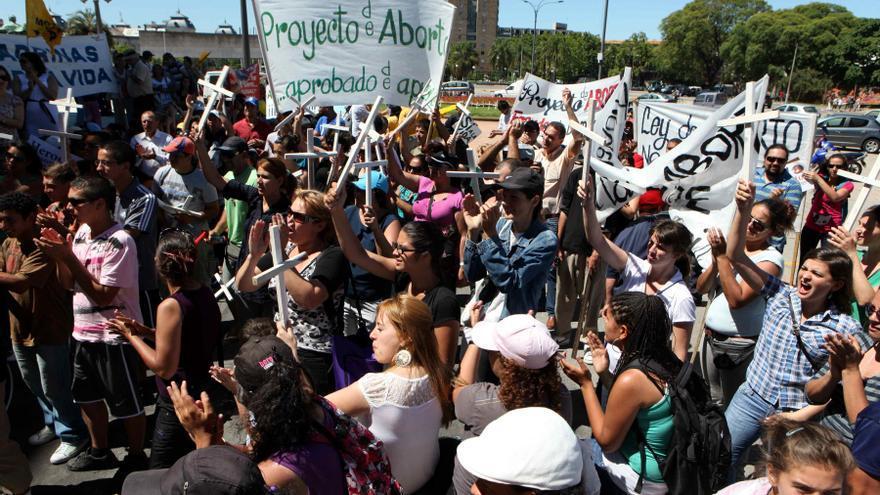 Cámara de Diputados de Uruguay vota mañana una ley de despenalización del aborto