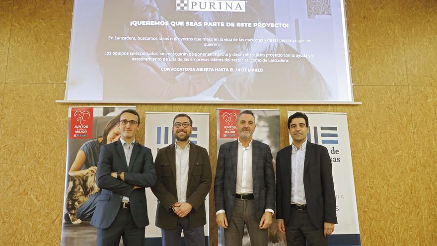 Ismael Valero (Director de proyectos en Lanzadera), Xavier Pérez (Director de marketing y comunicación de Purina España), Javier Jiménez (Director General Lanzadera) y Mark El-Khoury (Director General de Purina España)