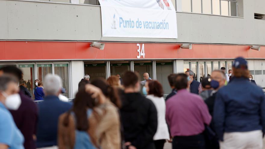 Bajan a 13 los fallecidos por covid en Madrid pero suben los hospitalizados