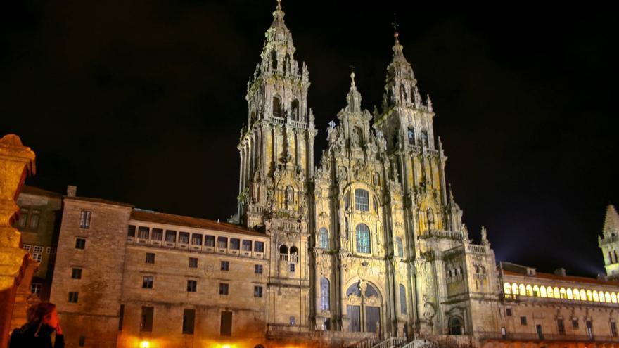 Fachada de la Catedral de Santiago de Compostela desde el Obradoiro.