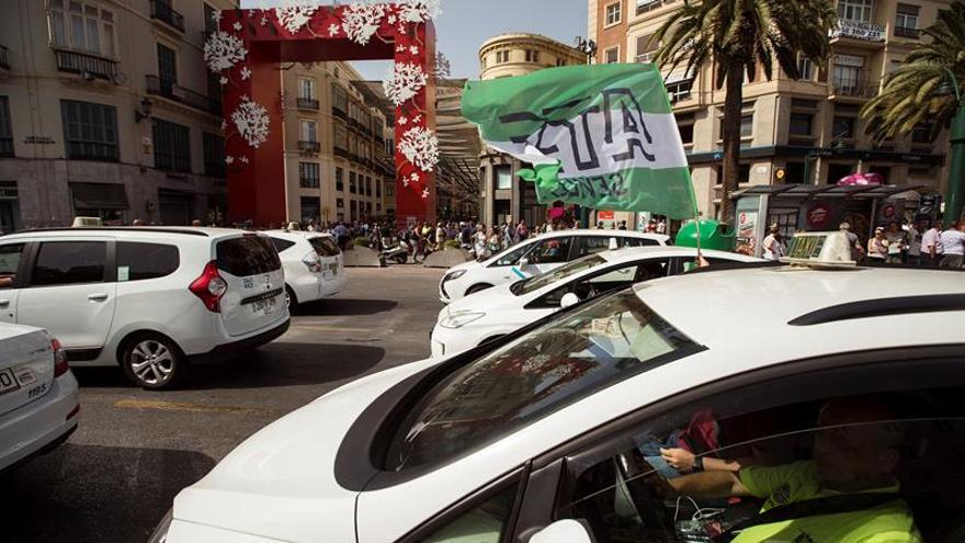 Unauto denuncia una agresión de taxistas a su presidente en el aeropuerto de Málaga