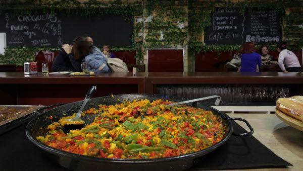 paella-cooking-barcelo
