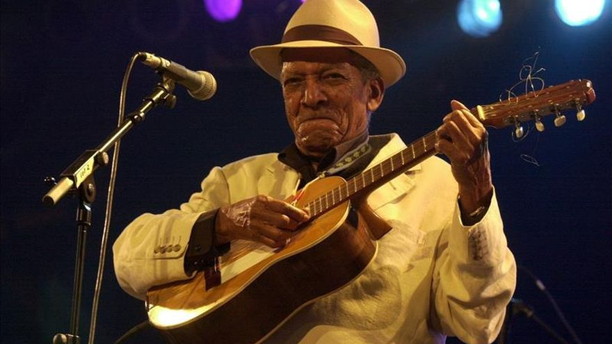 Discográfica cubana firma inédito trato de distribución con Sony Music