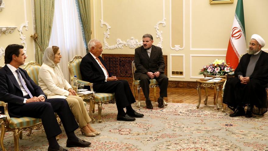 García-Margallo, Pastor y Soria, junto al presidente iraní, Hassan Rohaní, durante una visita oficial a Teherán en septiembre de 2015. EFE