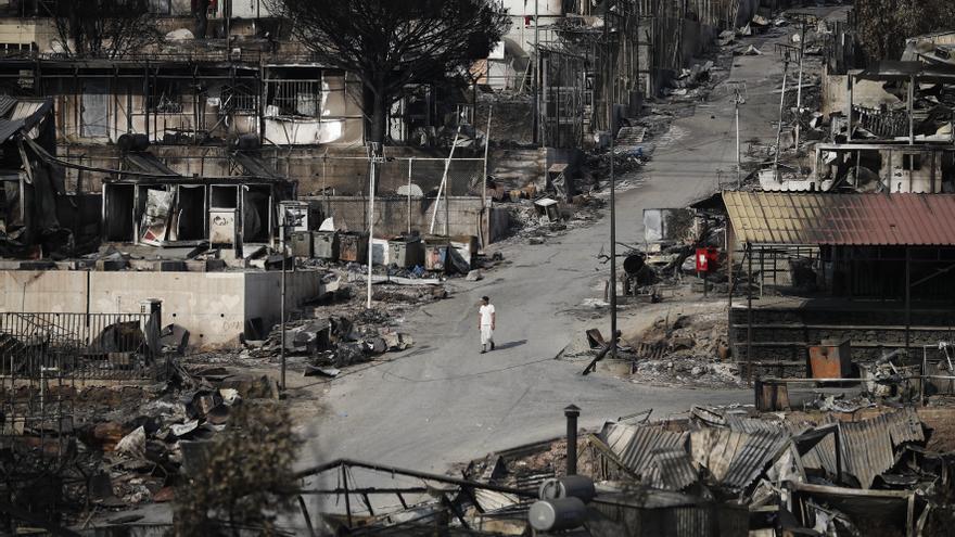 El espíritu de Moria pervive en Lesbos un mes después de los incendios