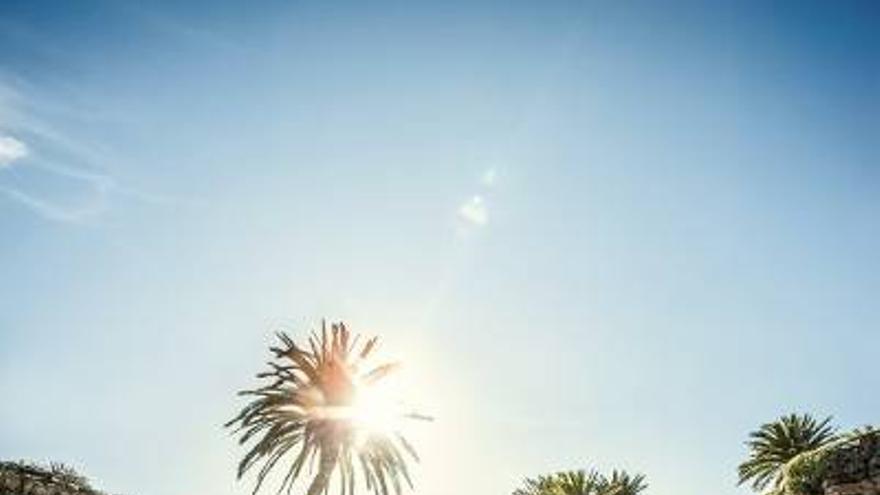 Imagen de una guía de turismo en Lanzarote.