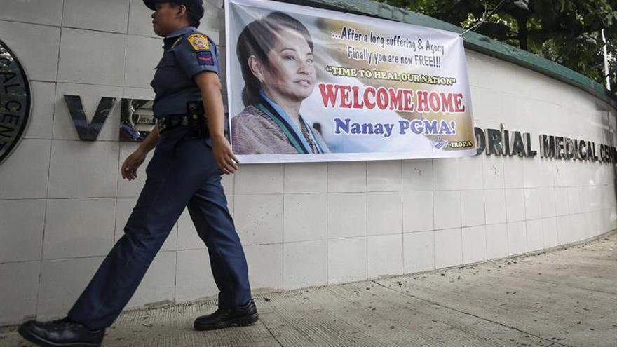 La expresidenta filipina Macapagal Arroyo sale en libertad tras cinco años