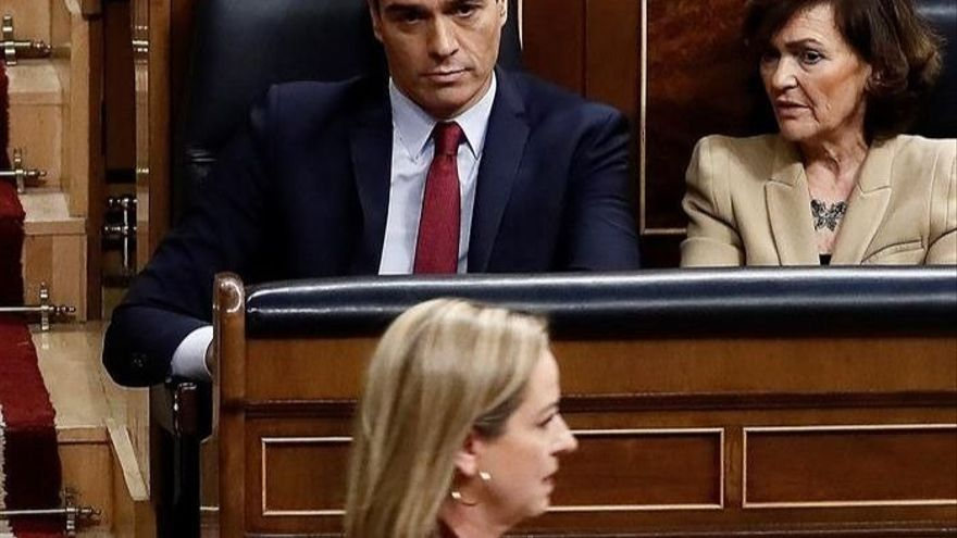 Ana Oramas abandona la tribuna tras intervenir en el segundo debate de investidura de Pedro Sánchez